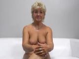 Babička natočí své první porno