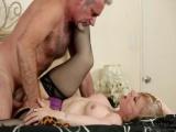 Zralá ženská, která ví, jak si užít sex