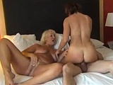 Dvě starší ženy pro jednoho mladíka