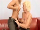 Zkušená lesbička zaučí mladou holku #3