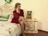 Nadržená ženská si pozve mladíka, jakmile manžel odejde