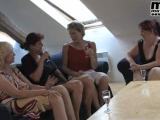 Čtyři zralé české paničky si užijou s mladíkem #10