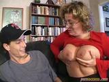Zralá zkušená mamina zaučí mladíka v sexu