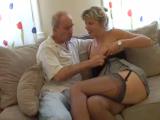 Zralá zkušená ženská šoustá se svým mužem
