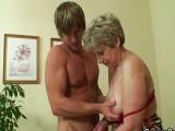 Nadržená babka s mladíkem (CZ)