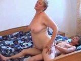 Syn opíchá svou tlustou mámu – český incest